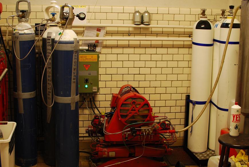 Kompressorn + Luftbank + Syrebank