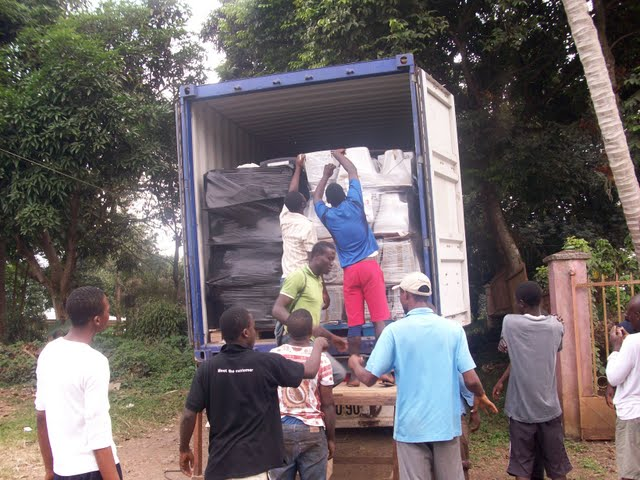Container Arrival & Offloading in Buea - 100_9069.JPG