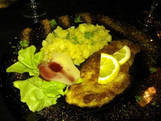 Schnitzel im Viertelesschlotzer mit Birne!
