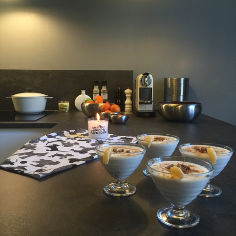 Winterjoghurt und Adventsdekorationen