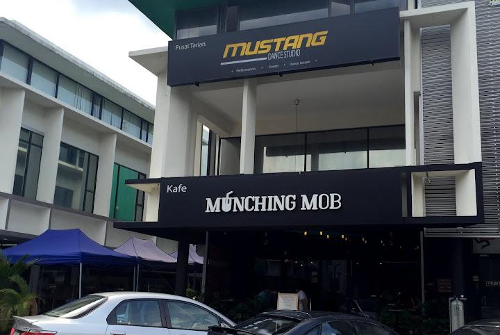 munching mob