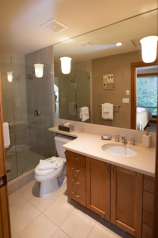 Upper Master Ensuite Whistler Montebello Luxury Rental