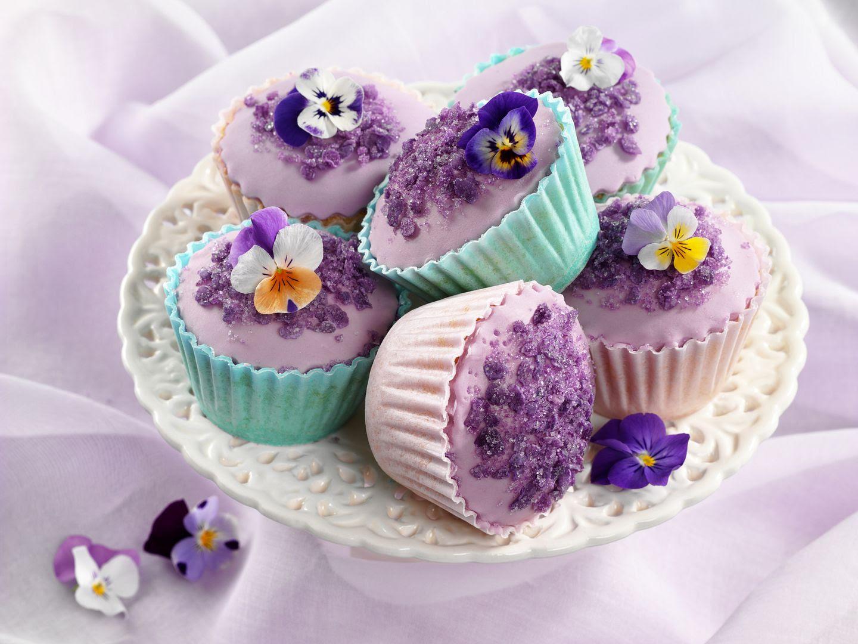 The English Kitchen: Cupcakes Galore