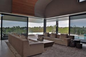salon-interior-Balcony-House-por-A-cero