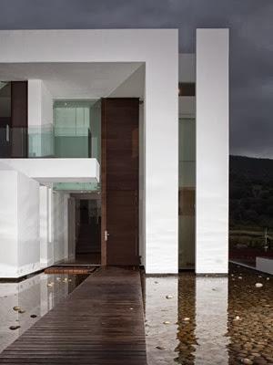Casa-de-lujo-casa-del-Agua-Almazán-Arquitectos