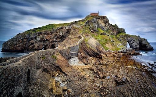 The shores of San Juan de Gaztelugatxe:  Season 7 filming locations