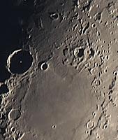 2012-09-20_lunar_stacked_30s_cropmode.jpg