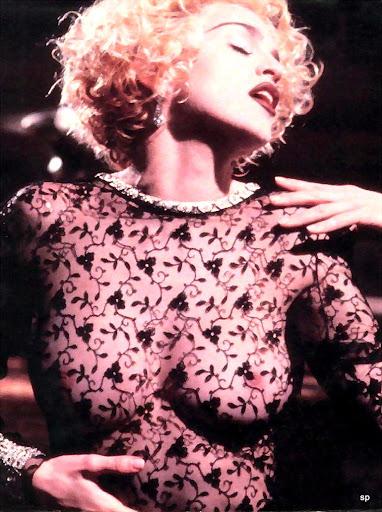 Madonna_Vogue video_1990 (4).jpg
