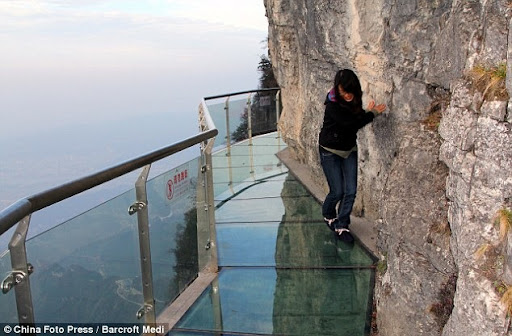 skywalk-tianmen-mountain-1