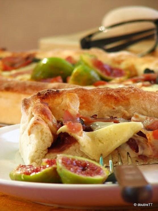 pizza sa slatkim od luka i smokava-5