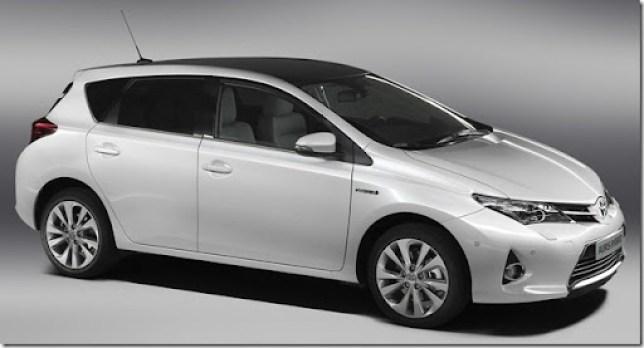 2013-Toyota-Auris-Hybrid-3[2]
