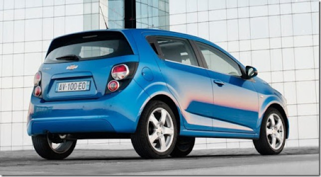Chevrolet-Aveo_2011_1024x768_wallpaper_1e
