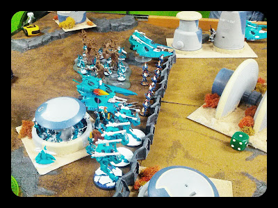 Mymeara Eldar deployed behind defense line