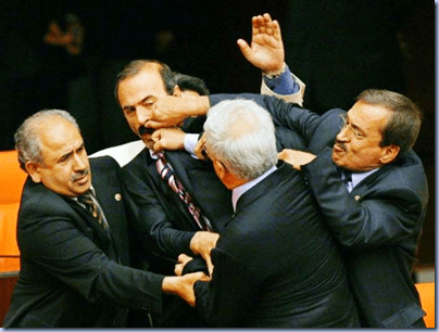 DEMOCRAZIA INGESTIBILE