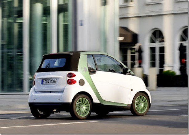 Smart-fortwo_electric_drive_2010_1600x1200_wallpaper_10
