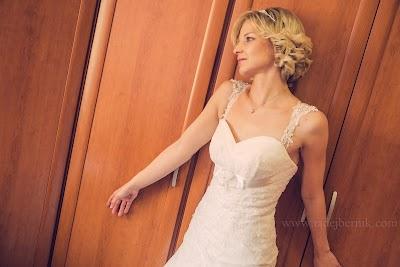 porocni-fotograf-wedding-photographer-poroka-fotografiranje-poroke- slikanje-cena-bled-slovenia-ljubljana-bled-hochzeitsfotografho (43).jpg