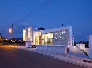 fachada-de-hormigon-casa-minimalista