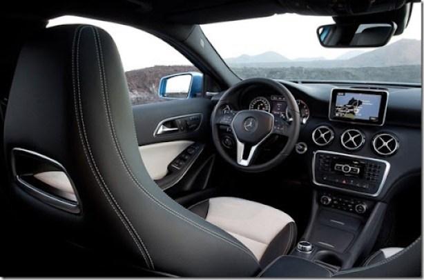 Mercedes-Benz-A-Class_2013_800x600_wallpaper_1b