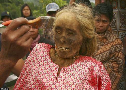 Tana Toraja--sepolture-1