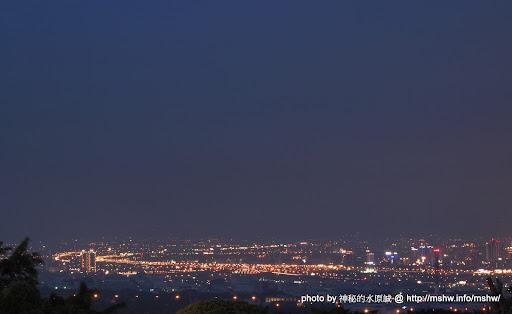 """嘗試新的時間和新的拍法...台中南屯""""望高寮"""" 區域 南屯區 台中市 嗜好 夜景 攝影 旅行"""