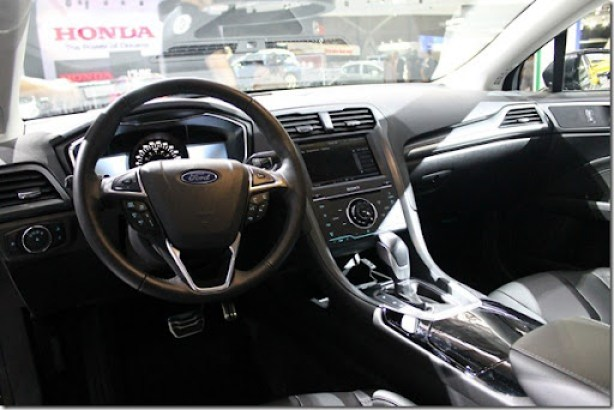 Ford Fusion 2013 (2)
