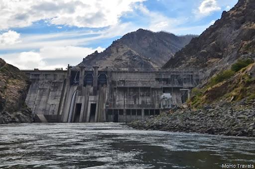 Hells Canyon Dam