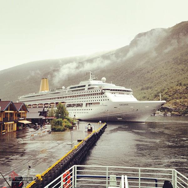 挪威峽灣的景色與渡輪