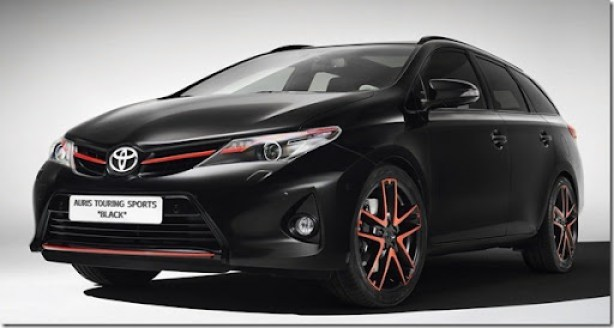 Toyota-Auris-Touring -Sport-Black-3[2]