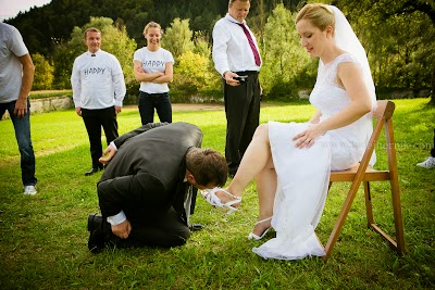 porocni-fotograf-wedding-photographer-poroka-fotografiranje-poroke- slikanje-cena-bled-slovenia-ljubljana-bled-hochzeitsfotografho (123).jpg
