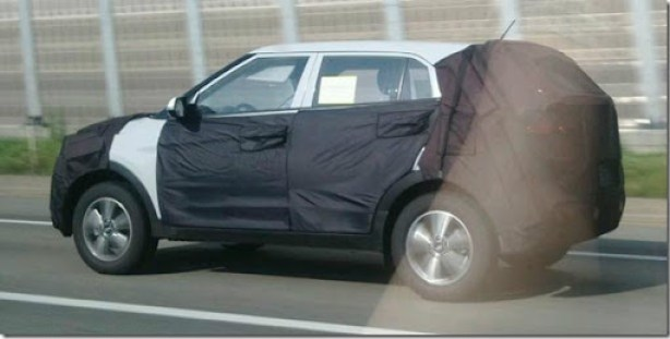 side-view-of-the-Hyundai-mini-SUV-spied-in-South-Korea