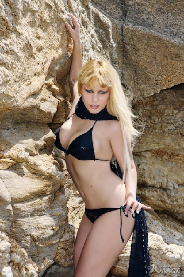 Tanith Isis 9