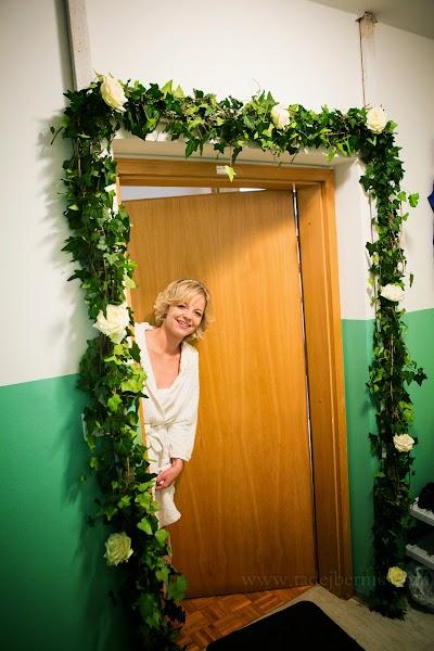 porocni-fotograf-wedding-photographer-poroka-fotografiranje-poroke- slikanje-cena-bled-slovenia-ljubljana-bled-hochzeitsfotografho (20).jpg