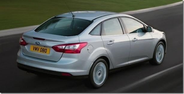 Ford-Focus_Sedan_2011_1280x960_wallpaper_10