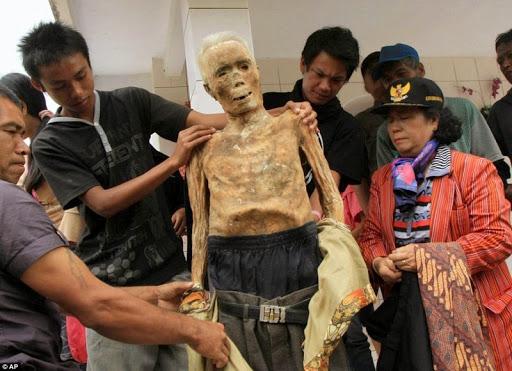 Tana Toraja--sepolture-2