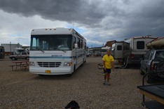 the rain is holding off for Roger and Dan to get set up at the Rock Springs KOA