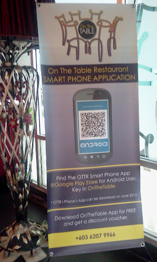 bunting aplikasi android restoren on the table