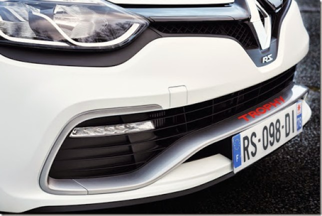 Renault-Clio-RS-220-Trophy-10