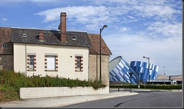 contemporary-architecture-building-france