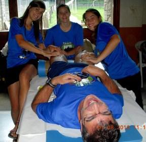 Sescun, Georgina y Eri: un masaje reparador.