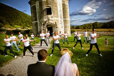 porocni-fotograf-wedding-photographer-poroka-fotografiranje-poroke- slikanje-cena-bled-slovenia-ljubljana-bled-hochzeitsfotografho (115).jpg