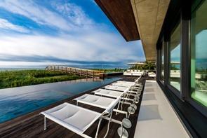 terraza-Casa Daniel's Lane Blaze Makoid Arquitectura