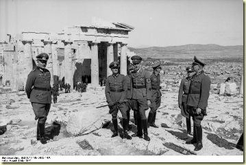 Bundesarchiv_Bild_101I-165-0412-14A,_Griechenland,_v._Brauchitsch_auf_der_Akropolis