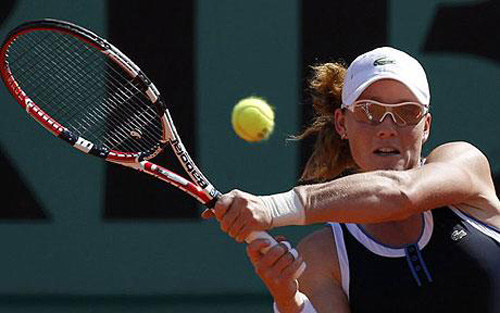 Samantha Stosur has her eye on the ball during her semi final match against Jelena Jankovic in the French Open 2010