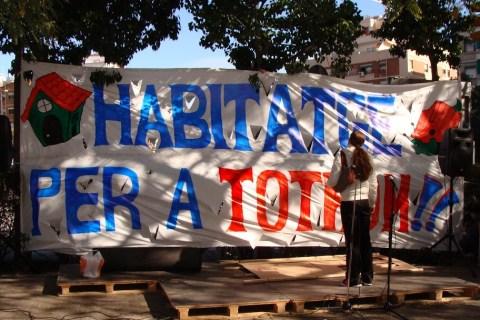manifestació stops desnonaments, lloguer 100€ i multes als bancs