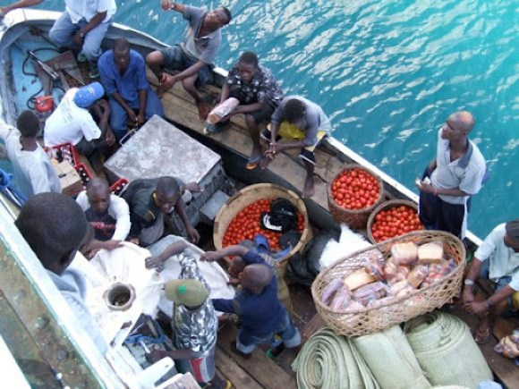 Unloading tomatoes from the Ilala, Lake Malawi's 60-year-old ferry