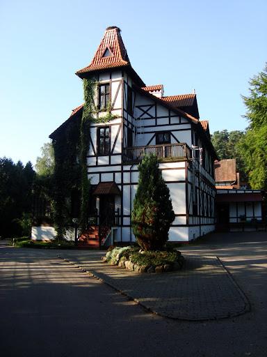 Budynek dyrekcji oliwskiego zoo