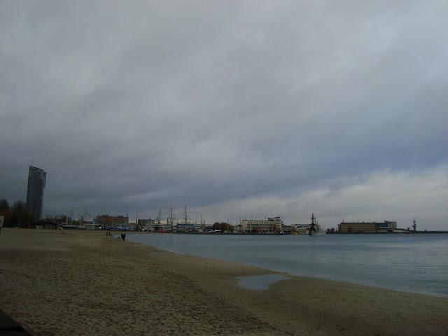 Molo Południowe - widok od strony plaży miejskiej