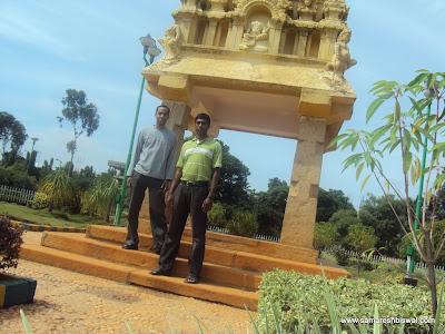Samaresh & Udhaya @Mekhri circle