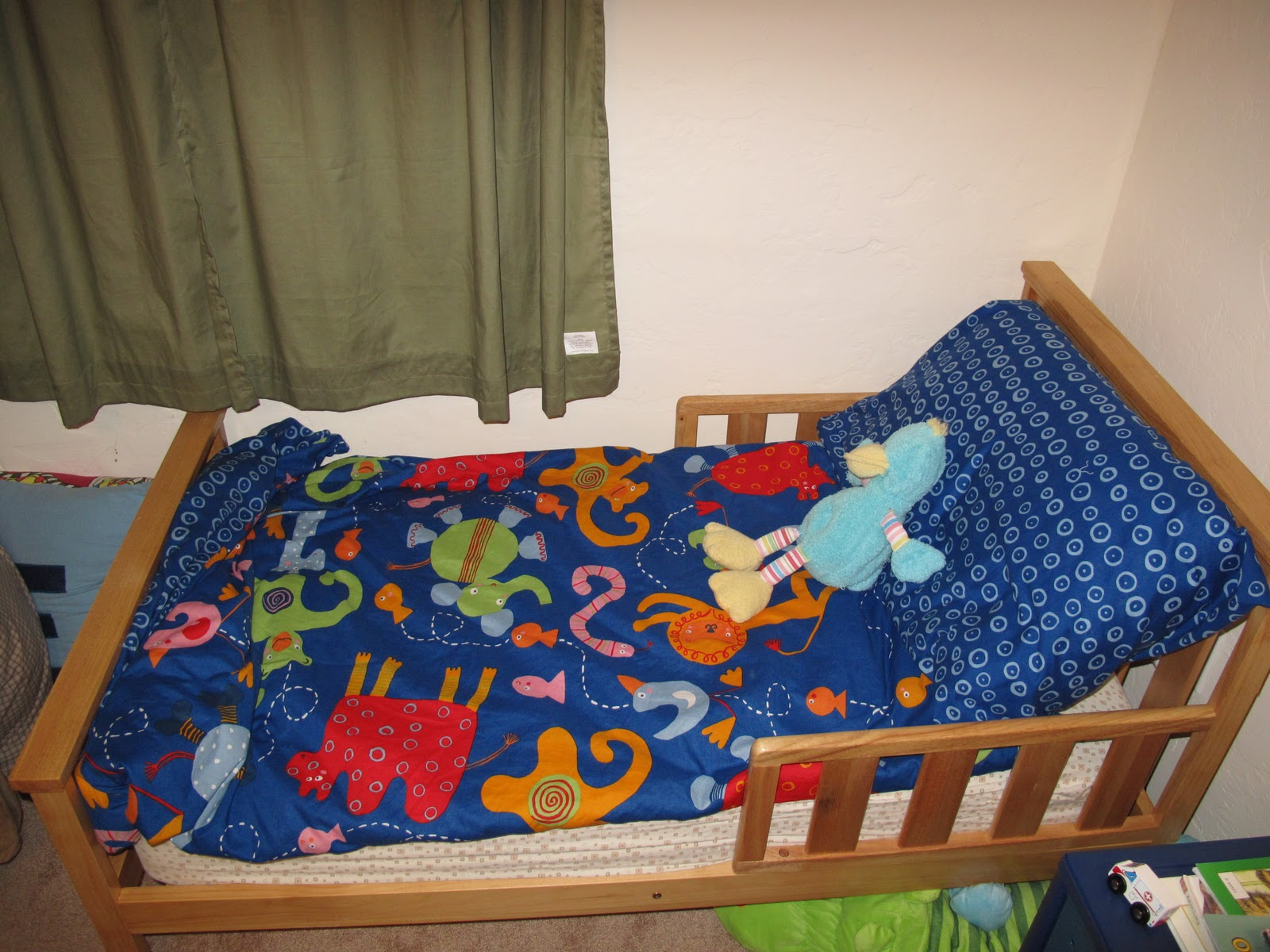 Ot Et Here S To Big Boy Beds Smooth Transitioning From The Crib