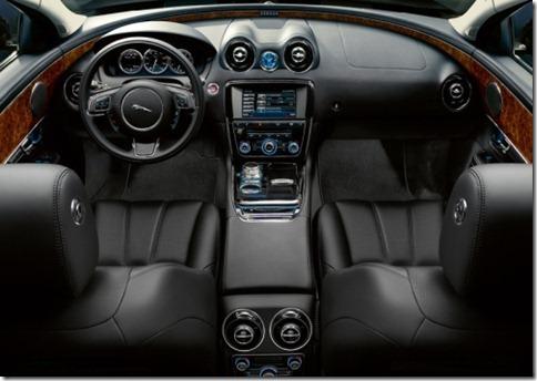 Jaguar-XJ_2010_800x600_wallpaper_3d